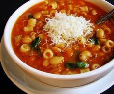 Pasta E Fagioli soup recipe: Hearty vegetarian soup  www.frugal-living-now.com
