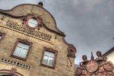 Hotel-Restaurant Feilen Wolff - Lage und Umgebung Bus Und Bahn, Das Hotel, Big Ben, Clock, Restaurant, Antiques, Building, Wall, Decor