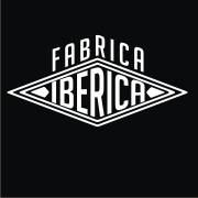 A Fábrica Ibérica, situada na Av Guerra Junqueiro, é uma loja de venda de T-Shirts Vintage e Retro.