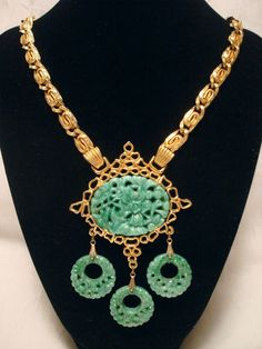 Gorgeous Vintage Jomaz Green Peking Glass Pendant Necklace | eBay