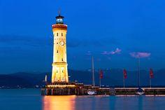 """7. Faro nuevo de Lindau, Alemania  El """"Neuer Leuchtturm"""" del pueblecito de Lindau se levantó en el siglo XIX a orillas del lago Constanza, en la frontera de Alemania con Austria y Suiza."""