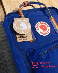 Arctic fox initiative the rainbow bag Mochila Kanken, Kanken Backpack, Fjallraven, Aesthetic Backpack, Rainbow Bag, Halloween Zombie, Arctic Fox, My Bags, Vsco