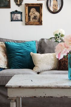 this inspires me to do gray and teal in my bedroom with a pop of red/orange?