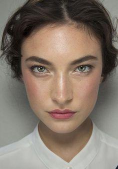#BeautyLook utilizando el tinte labial de Kjaer Weis en tono 'Passionate'. Se usó el mismo producto para las mejillas. #GaraMeansGood #KjaerWeis #Maquillaje