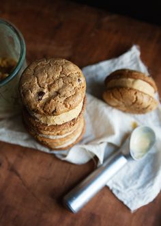 Pumpkin ice cream sandwiches combining Kim Boyce's whole wheat chocolate chip cookies and pumpkin ice cream. Ice Cream Cookie Sandwich, Ice Cream Cookies, Cookie Sandwiches, Frozen Desserts, Frozen Treats, Coffee Recipes, Pumpkin Recipes, Pumpkin Ice Cream, Choco Chips