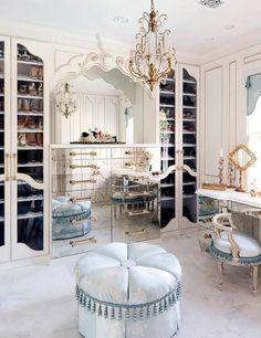Don't wait to get the best luxury chandelier design inspiration! Find it with Luxxu at luxxu.net