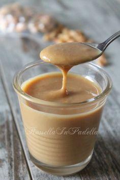 Il burro d'arachidi è un prodotto cremoso, ricco di grassi e particolarmente diffuso negli Stati Uniti. Ideale per chi preferisce il salato a colazione.
