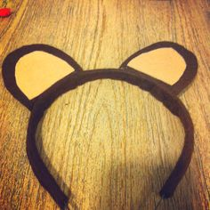 We're going on a bear hunt-make your own headband. Too cute!