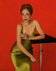"""Zadie Smith for """"Gentlewoman"""" Pretty People, Beautiful People, Fashion News, Fashion Show, Zadie Smith, Head Scarf Styles, Fashion Advertising, Street Style Summer, Black Girl Magic"""