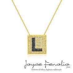 Lindo colar com letra com mini zirconias cristal e black com Aplique em Banho de ródio negro ❤ - ✅Pedidos via direct ou WhatsApp 19 984289457 ✅Entregas para todo o Brasil ! #semijoias #joycefenoliojoias #luxo #tendencia #tops #elegant #modafeminina #stylish #bomdia
