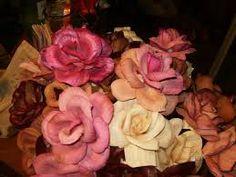 Resultado de imagem para flores de palha de milho como fazer