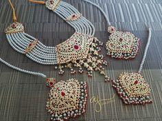 Showcasing the best of Indian jewelry designs. by AdaaJewels Pakistani Bridal Jewelry, Indian Wedding Jewelry, Indian Jewelry, Bridal Necklace Set, Bridal Bangles, Indian Jewellery Design, Jewelry Design, Gold Jewellery, Hyderabadi Jewelry