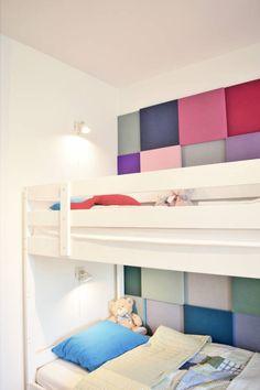 Łóżko piętrowe. Zobacz więcej na: https://www.homify.pl/katalogi-inspiracji/53693/lozka-pietrowe-dla-dzieci