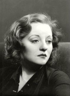 hauntedbystorytelling:Alfredo Valente portrait ofTallulah Bankhead, 1930′s