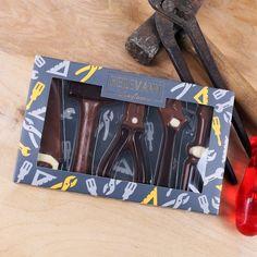 Die Schokoladenkreationen für Heim- und Handwerker kommen als süße Geschenkidee mit Sicherheit immer gut an. #schokolade #geschenkidee #werkzeuge