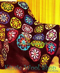 Vintage-Retro-70s-Crochet-Floral-Afghan-Pattern