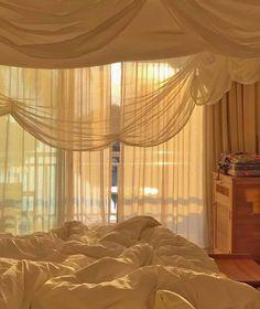 Room Ideas Bedroom, Bedroom Inspo, Bedroom Decor, Aesthetic Room Decor, Beige Aesthetic, Makeup Aesthetic, Dream Rooms, Dream Bedroom, Summer Bedroom