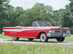 I know it was hated and I know it was made by Ford....but I love how different the Edsel looked!!