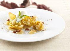 Il menu delle Feste dello chef Herbert Hintner, ricetta del docle: ravioli con ripieno di strudel     casadivita.despar.it
