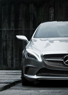 Mercedes Benz CLA (2013)