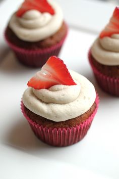 SCD Strawberry Shortcake Cupcakes (*Substitute honey for maple syrup & top with SCD legal frosting...)