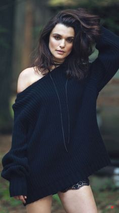 Actor and former model Rachel Weisz is a full-on nature girl in 'Out of the Woods', styled by Tracy Taylor . Photographer David Bellemere captures Rachel for The Edit Magazine August Hair by Alex Polillo; makeup by Maud Laceppe Westminster, Daniel Craig, Pretty People, Beautiful People, Katie Mcgrath, Actrices Hollywood, Serge Gainsbourg, Jolie Photo, Kate Winslet
