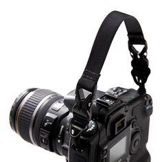 Amazon | 【ジェットグライド2互換】ショートストラップ[Dカン付パラコード接続タイプ] ※ヤマトDM発送商品 | カメラ・双眼鏡用ストラップ・ホルダー 通販