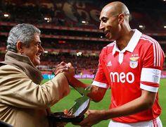 Luisão, 350 jogos pelo Sport Lisboa e Benfica.