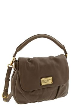 Not the actual bag, but the colour! Marc by Marc Jacobs, Classic Q - Little Ukita Shoulder Bag Tote Handbags, Purses And Handbags, Mk Bags, Cute Bags, Beautiful Bags, Bagan, So Little Time, Handbag Accessories, Fashion Bags