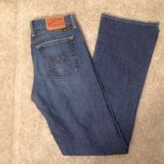 LUCKY BRAND SHORT INSEAM DISTRESSED JEANS SIZE 2 Cute Lucky Brand jeans. In great condition! Jeans are naturally distressed. Size 2. Shirt inseam. Cute with a tank top and flip flops! Lucky Brand Jeans