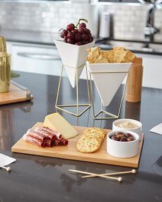 Don't forget to include some good design when hosting your friends for a few cocktails and hors d'oeuvres. We are getting our pre brunch party started with our TRIGG vessels and SAVORE serving tray. Cute Kitchen, Kitchen Items, Home Decor Kitchen, Kitchen Gadgets, Kitchen Dining, Serving Tray Decor, Küchen Design, Kitchen Essentials, Food Presentation