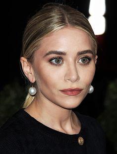 olsendaily:   Ashley at last year's Met ball (via... (149946675712) — Olsen Daily