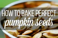 Here's a great recipe and some important tips about how to bake pumpkin seeds. Freshly roasted pumpkin seeds are healthy, delicious and kids love them! Easter Crafts, Crafts For Kids, Chex Mix, Baked Pumpkin, Cookies Et Biscuits, Paper Flowers, Easter Eggs, Cooking Recipes, Treats