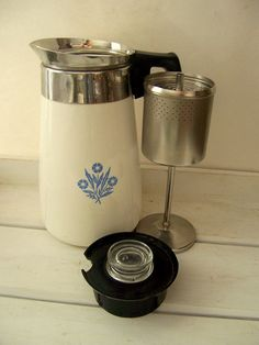 Vintage Coffee Pot OMG, the good o'l Corning Ware electric coffee pot. You either had this, or the stainless steel Farberware electric pot, either or, what a blast from the past My Childhood Memories, Nice Memories, 1970s Childhood, School Memories, Oldies But Goodies, Good Ole, Thats The Way, The Good Old Days, Pyrex