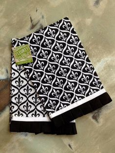 Fleurty Girl - Everything New Orleans - Fleur de Lis Linen Towel Set - For the Home