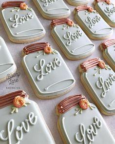 Love these bridal shower cookies! Cookies Cupcake, Fancy Cookies, Cute Cookies, Mother's Day Cookies, Cookie Favors, Summer Cookies, Flower Cookies, Heart Cookies, Easter Cookies