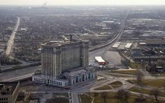 Aerial views of the old Michigan Central Station Railroad depot that is slated to be renovated to become the new Detroit Police Department headquarters.  Monday March 15, 2004