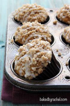 Moist pumpkin streusel muffin recipe from @bakedbyrachel