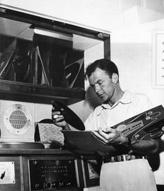Frank Sinatra plays some records. The Addams Family, Roger Daltrey, Fred Flintstone, Marvin Gaye, Hollywood Music, Old Hollywood, Classic Hollywood, Hollywood Actor, Rita Hayworth