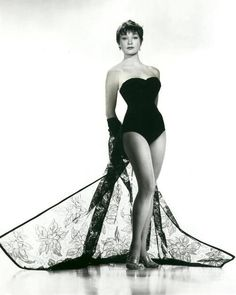 Shirley MacLaine in the movie, Sweet Charity, a 1969 American musical comedy-drama film directed and choreographed by Bob Fosse and written by Neil Simon. Shirley MacLaine in the movie, Old Hollywood Actresses, Classic Actresses, Beautiful Actresses, Actors & Actresses, Female Actresses, Hollywood Stars, Hollywood Glamour, Bob Fosse, Vintage Hollywood