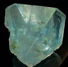 COLMAR : Mineral, fossil & Gem show - Mineral Gallery #2 Topaz (Blue)