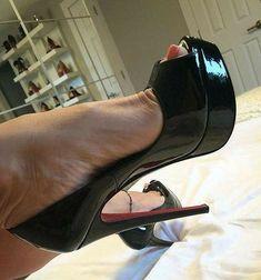 Extreme High Heels, Black High Heels, Sexy Heels, Stiletto Heels, High Heel Boots, Heeled Boots, Pictures Of High Heels, Drawing High Heels, Shoe Selfie