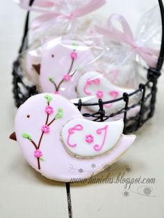 bird cookies//  Encontrado en flickr.com  Flickr Bird Cookies for Twin Baby Shower por Haniela en Flickr