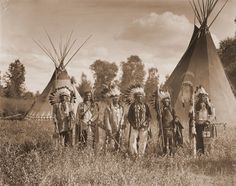 Crow Creek Warriors on the Crow Reservation - Montana - 1909 - Vintage - Photo - Native American - Photography - History - Photograph - Art Native American Photography, Native American Photos, Native American Tribes, Native American History, Sioux, American Crow, American Women, Montana, History Of Photography