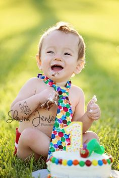 The very Hungry Caterpillar Smash cake session by Shawna Jensen Photography