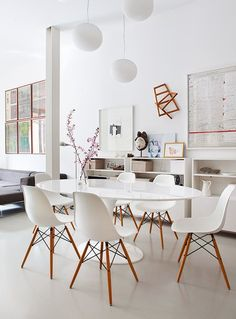 white dining table & chairs with wood legs