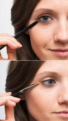 Make your eye makeup last longer by setting your eyeliner with a matching eye shadow. --- Genius Eyeliner Hacks Application Tips Every Woman Needs to Know Winged Eyeliner Tutorial, Simple Eyeliner, Perfect Eyeliner, How To Apply Eyeliner, Winged Liner, Perfect Makeup, Gorgeous Makeup, Gold Liner, Perfect Lipstick