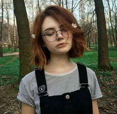 girl girl short hair New hair peinados short ideas Short Brown Hair, Girl Short Hair, Short Hair Cuts, Short Hair Styles, Cute Short Hair, Short Dyed Hair, Short Grunge Hair, Short Colorful Hair, Colored Short Hair