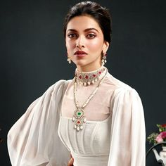 Popular And Beautiful Necklace Designs For The Brides! Indian Celebrities, Bollywood Celebrities, Bollywood Fashion, Bollywood Stars, Bollywood Hair, Beautiful Bollywood Actress, Most Beautiful Indian Actress, Beautiful Actresses, Deepika Padukone Style