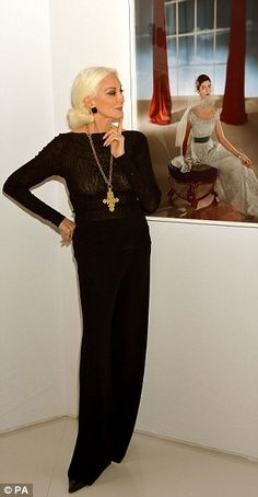 In her 80s but as beautiful as ever! Model Carmen Dell'Orefice is striking in black as she helps launch the V&A's stunning new fashion photography exhibition Read more: http://www.dailymail.co.uk/femail/article-2742356/In-80s-beautiful-Model-Carmen-DellOrefice-striking-black-helps-launch-V-As-stunning-new-fashion-photography-exhibition.html#ixzz3CHoq91y8 Follow us: @MailOnline on Twitter | DailyMail on Facebook